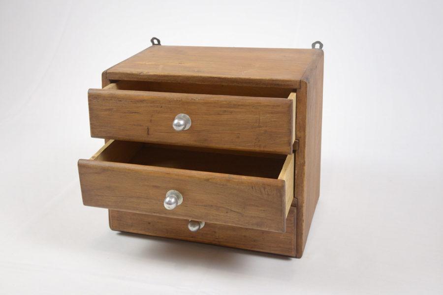 Petit meuble à 3 tiroirs - DSC_9489.jpg