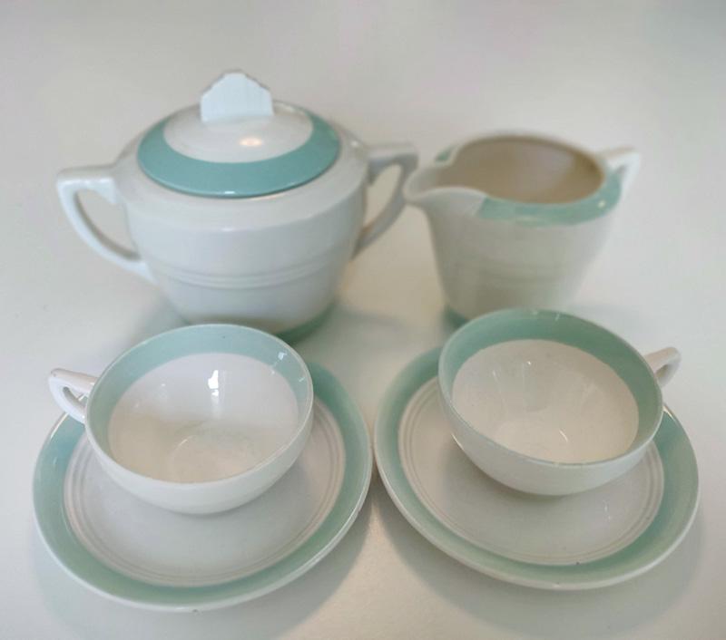 Ensemble à café : Tasses, sucrier & pot à lait - 4-petits-1.jpg