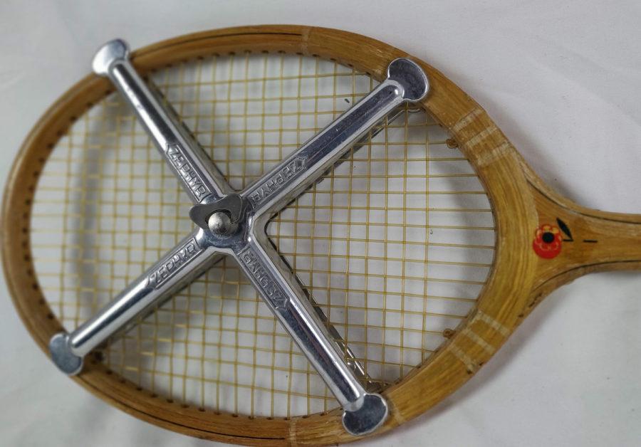 Lot de 3 raquettes de Tennis anciennes - raquette-2-approche.jpg